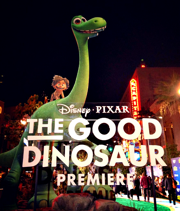 Ginormous Pre-Historic Fun at the Red Carpet Premiere