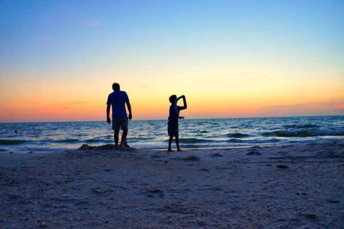 naples-beach-cool-moms-cool-tips