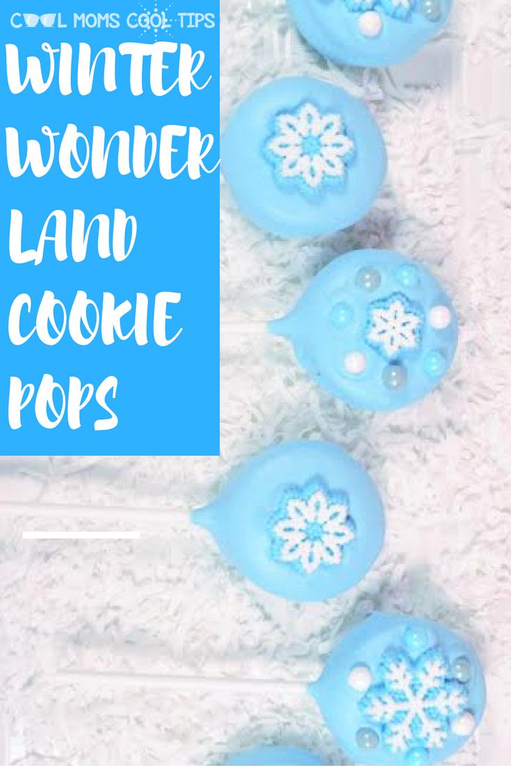 A beautiful, easy and fun treat for the holidays sthat you can use as a gift, or for a Frozen themed party. Great idea for every holiday. Can you imaginge this for Valentine's with hearts?