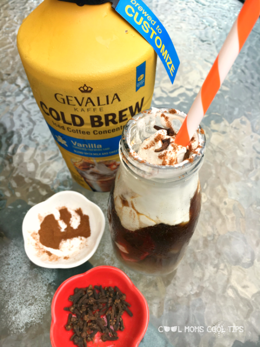 making iced mexican coffee with dulce de leche
