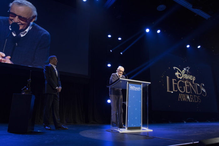 Stan Lee accepts Disney Legend award at d23 expo
