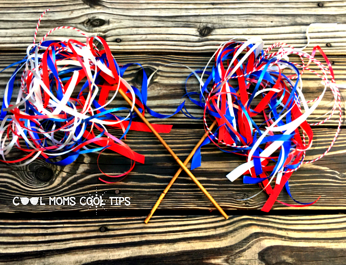 Easy and Cool Fourth of July Wands DIY