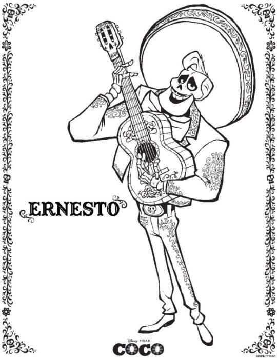 Benjamin Bratt is Ernesto de la Cruz