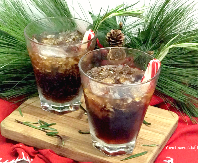 Sparkling Maple Whiskey Festive Fizz Drink: Surprisingly Refreshing!