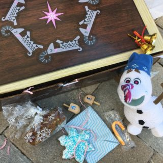 Tips to Put Together a Holiday Tradition Surprise Box
