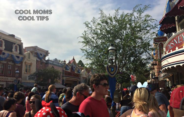 Disneyland-main-street-cool-moms-cool-tips