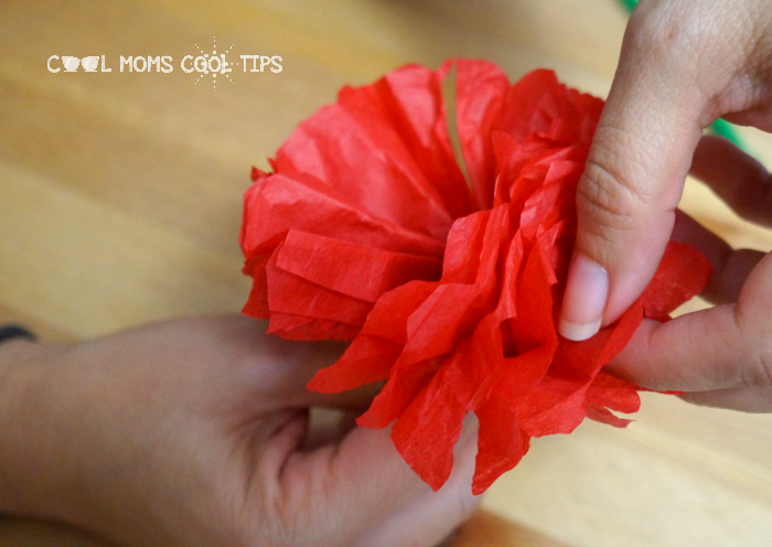 making the paper flowers cool moms cool tips