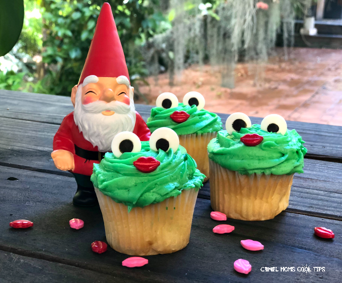 Easy Frog Cupcakes for garden themed parties