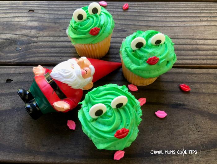 Sherlock Gnomes themed cupcakes