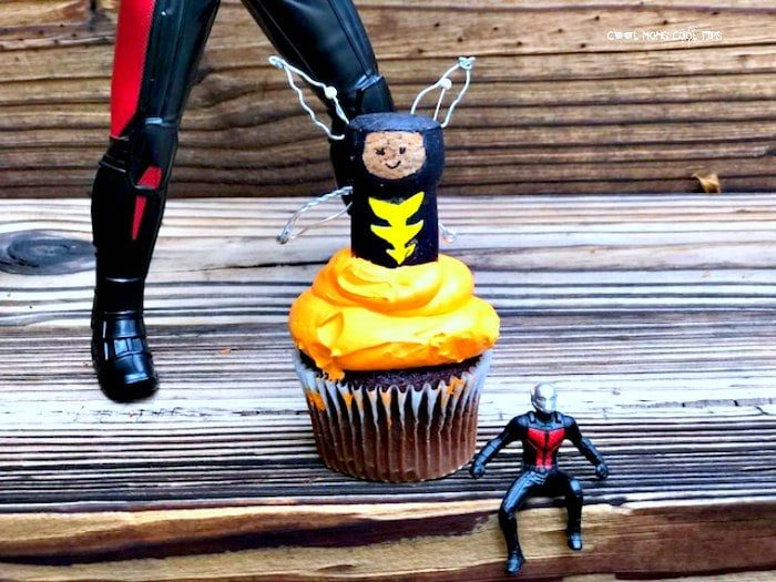 the wasp cupcake toppers cool moms cool tips