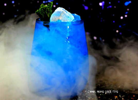 frozen-winter-prosecco-cocktail