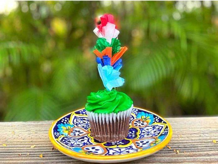 DIY Fiesta Fringe Cupcake Topper